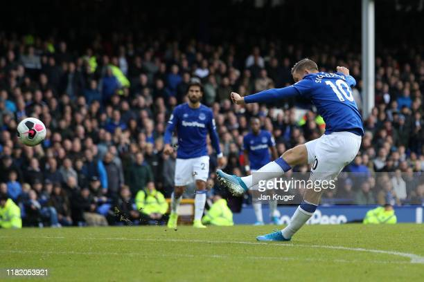 Gylfi Sigurdsson of Everton scores his team's second goal during the Premier League match between Everton FC and West Ham United at Goodison Park on...
