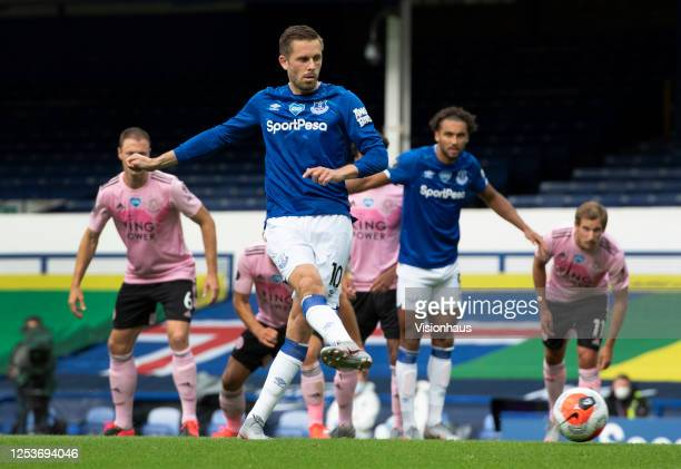 Gylfi Sigurdsson of Everton scores the second goal from the penalty spot during the Premier League match between Everton FC and Leicester City at...