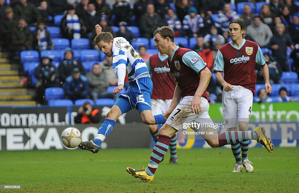 Reading v Burnley - FA Cup 4th Round : News Photo