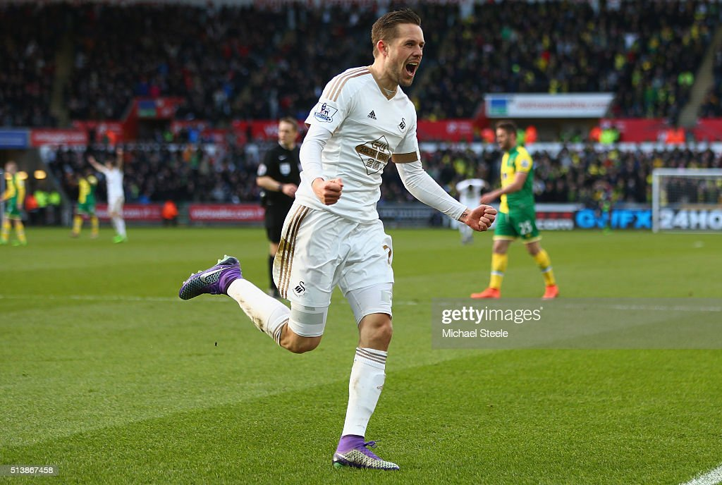 Gylfi Sigurdsson of Swansea City celebrates scoring his team's first goal during the Barclays Premier League match between Swansea City and Norwich City at Liberty Stadium on March 5, 2016 in Swansea, Wales.
