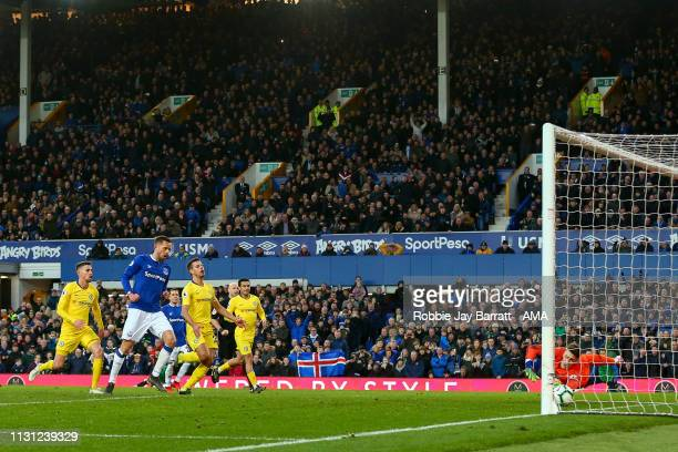 Gylfi Sigurosson of Everton scores a goal to make it 20 during the Premier League match between Everton FC and Chelsea FC at Goodison Park on March...