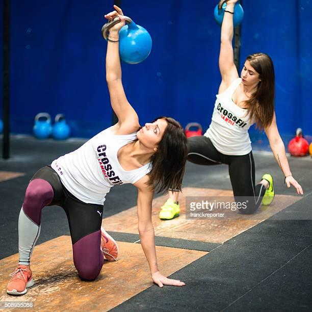 gym class lifting a kettlebell in a gym La Mole