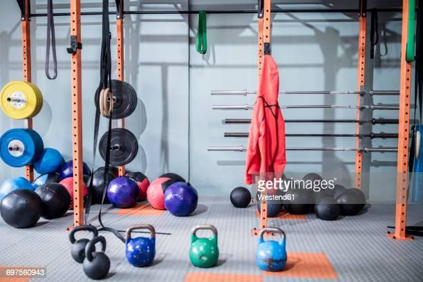 gym equipment - エクササイズ用具 ストックフォトと画像