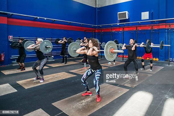 Fitnessstudio fitness-Training: Gewichtheben-Klasse