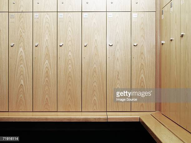gym locker room - locker room stock pictures, royalty-free photos & images