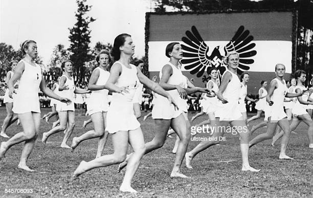 Gymnastic performance by members of the 'League of German Girls'