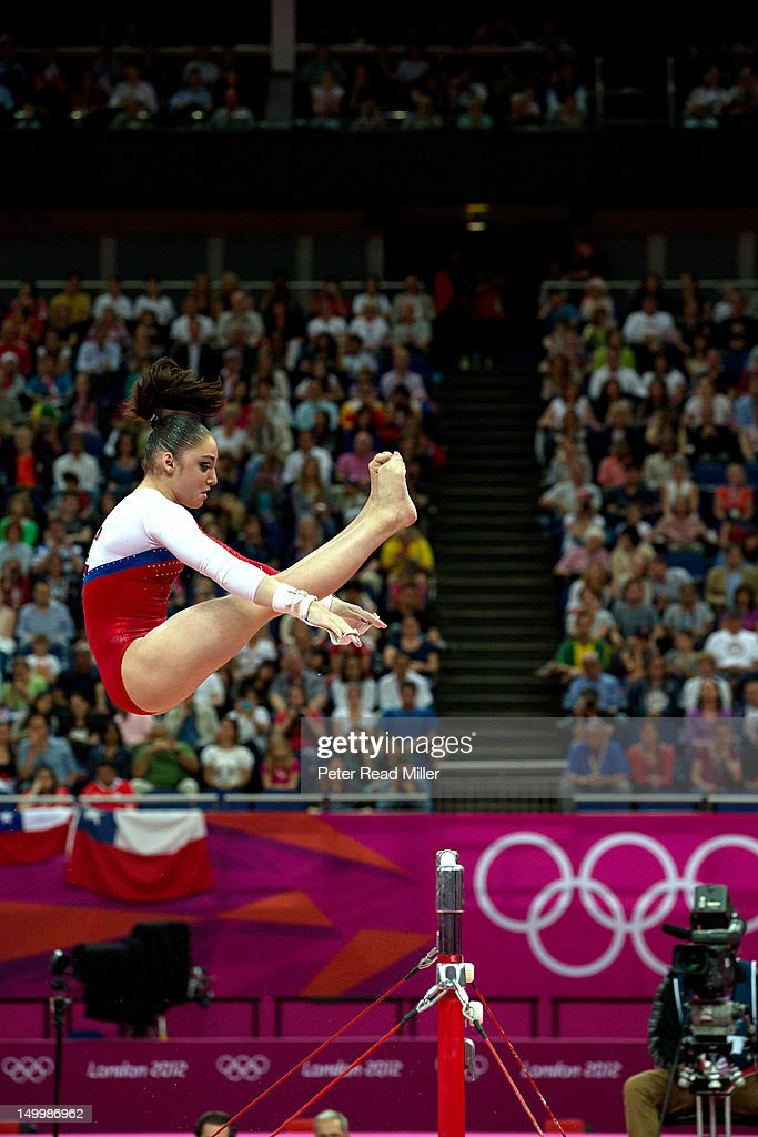 Russias Mustafina Wins Olympic Gold in Uneven Bars - The