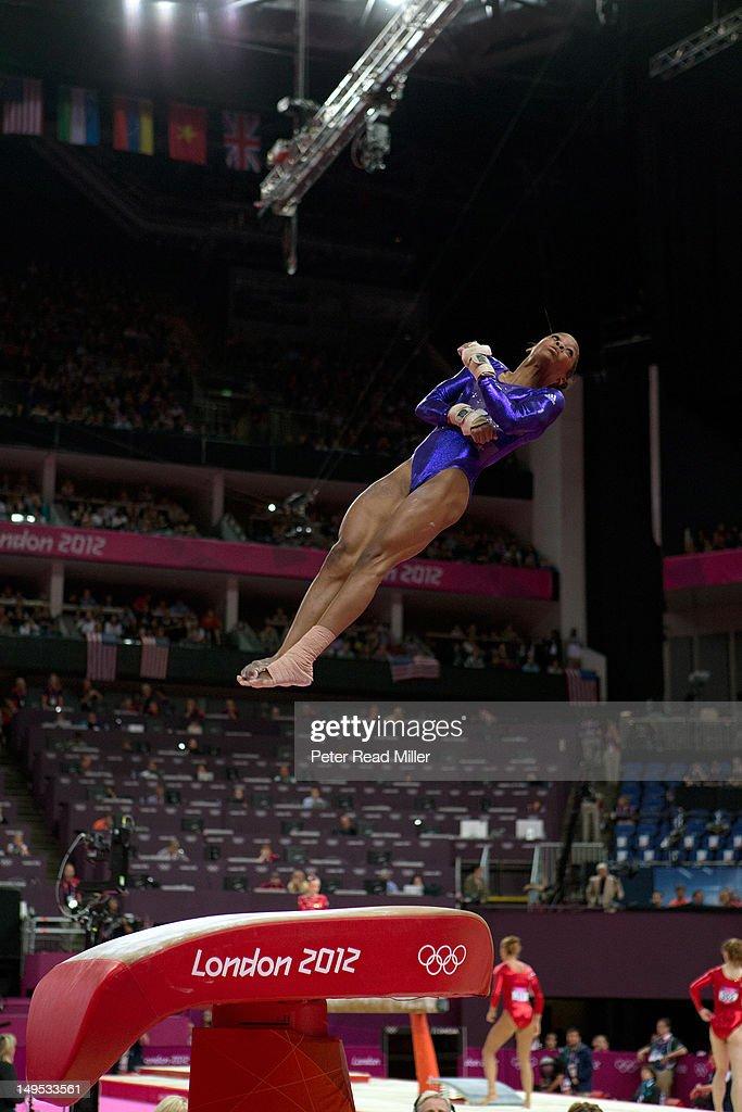 2012 summer olympics day 2 vault gymnastics gabby douglas28 vault