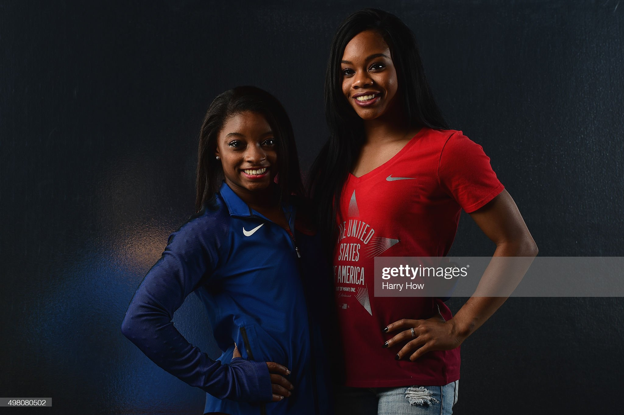 ¿Cuánto mide Gabby Douglas? - Real height Gymnasts-simone-biles-and-gabby-douglas-pose-for-a-portrait-at-the-picture-id498080502?s=2048x2048