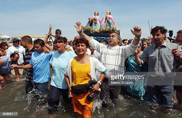 Gypsies Celebrate The Procession To the Sea