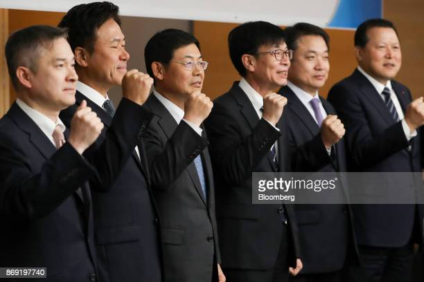 Ha Hyunhwoi president of LG Corp from left Park Jungho president and chief executive officer of SK Telecom Co Lee Sanghoon president at Samsung...