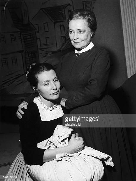 Haack Kaethe *11081897 Actress Germany with Lieselotte Rau in the stage play 'Hermann und Dorothea' 1975