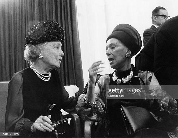 Haack, Kaethe *11.08.1897-+ Actress, Germany with Lil Dagover . - 1973