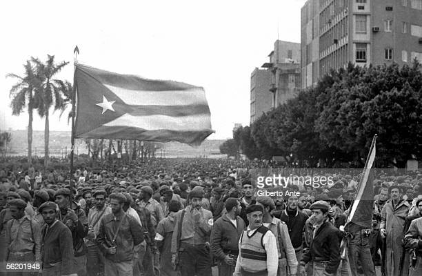 Habana Demonstration in front of the expresidential palace 1959
