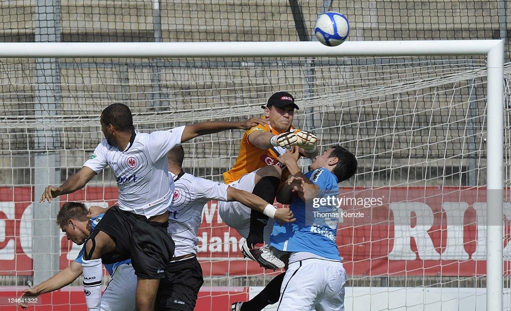 Stuttgarter Kickers v Eintracht Frankfurt II - Regionalliga South