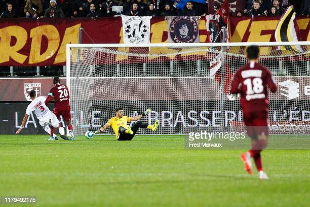 Habib Diallo of Metz scores a goal during the Ligue 1 match between FC Metz and Montpellier HSC at Stade SaintSymphorien on November 2 2019 in Metz...