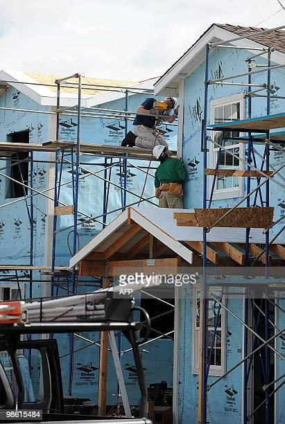 Habitat for Humanity volunteers build �green� homes for lowincome families in Lynwood California 15 miles south of downtown Los Angeles on April 22...