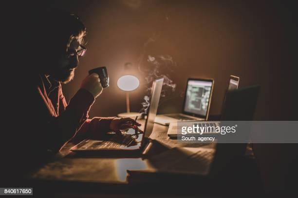 Hacker stjäla Information från flera datorer