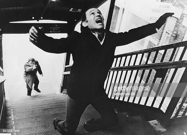 Hackman Gene *Schauspieler USA in einer Szene aus Film 'French connection`mit Marcel Bozzuffi USA 1971