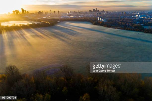 hackney marshes at sunrise. - sumpmark bildbanksfoton och bilder