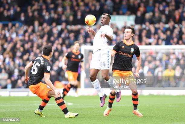 Hadi Sackoof Leeds United and Fernando Forestieriof Sheffield Wednesday in action during the Sky Bet Championship match between Leeds United and...