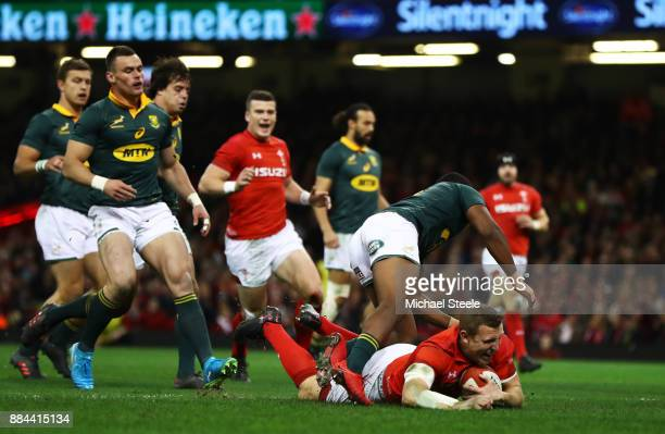 Hadleigh Parkes of Wales touches down for the second try during the international match match between Wales and South Africa at Principality Stadium...