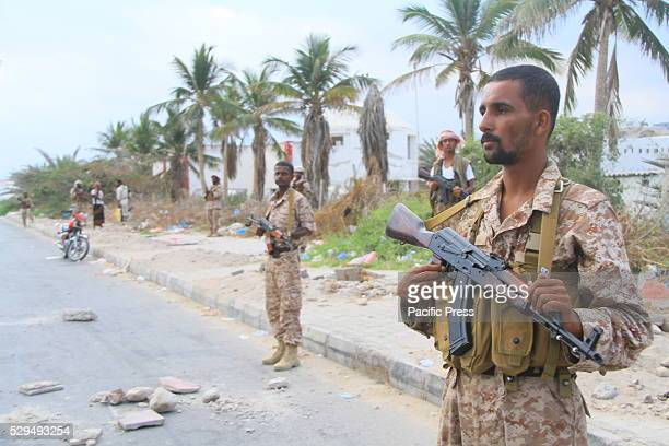 Hadrami elite forces tightly guard Mokala City from AlQaeda by creating checkpoints