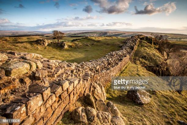 hadrian's wall, cumbria, uk. - cumbria stock pictures, royalty-free photos & images
