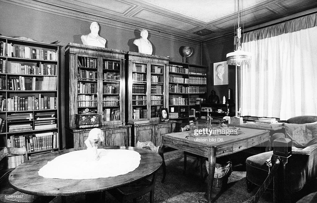 Haeckel, Ernst *16.02.1834 +Zoologe, Philosoph, D  Arbeitzimmer