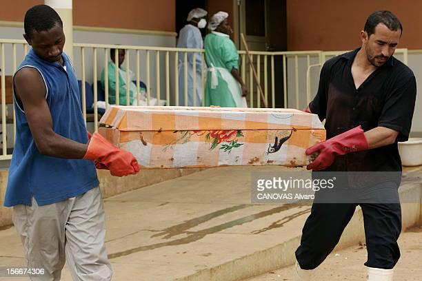 Haemorrhagic Fever Epidemic In The North Of Angola Depuis 6 mois le virus de Marburg cousin du virus Ebola décime le nord de l'Angola transport du...