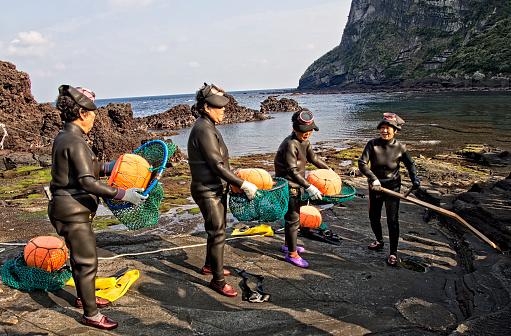 haenyeo traditional female fishing divers of jeju island - gettyimageskorea
