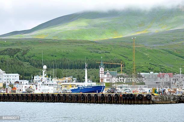 Hafen der Kleinstadt Husavik
