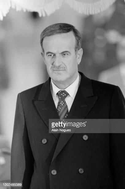 Hafez el-Assad lors du dixième sommet Arabe à Tunis en Tunisie