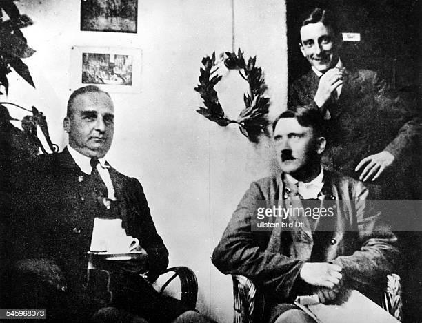 Haft in Landsberg vl Hermann Kriebel Adolf Hitler und Emil Maurice 1924