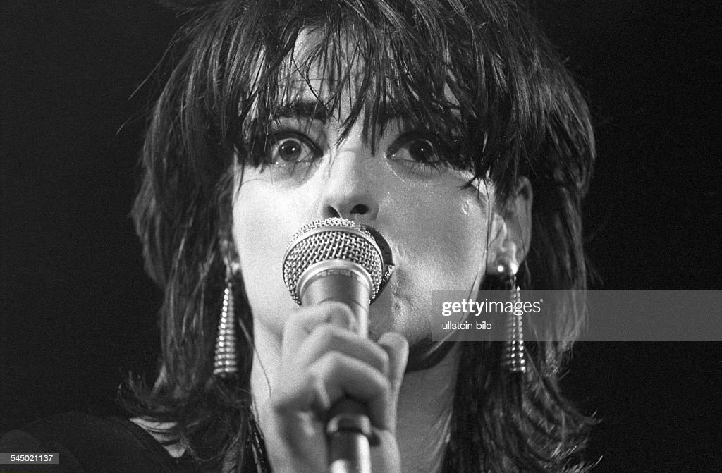 Hagen, Nina - Musician, Singer, Punk rock, Germany - performing at the town hall in Brunswick, Germany - 17.04.1979 : Photo d'actualité