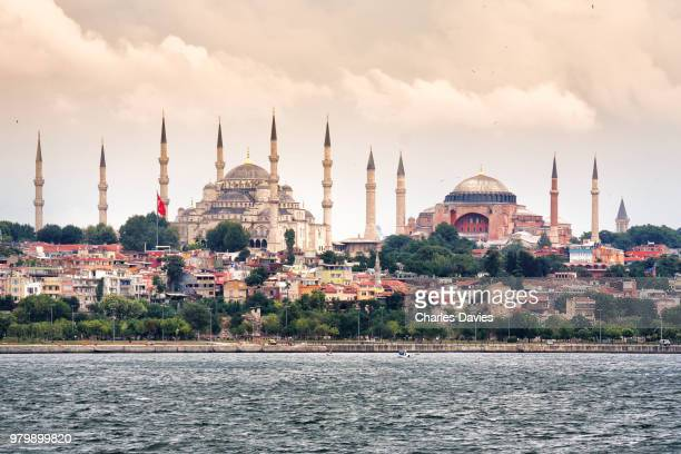 hagia sophia and sultan ahmed mosques, istanbul, turkey - hagia sophia stock pictures, royalty-free photos & images