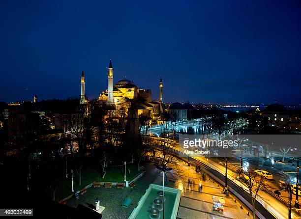 hagia sophia in istanbul at night. - alex saberi bildbanksfoton och bilder