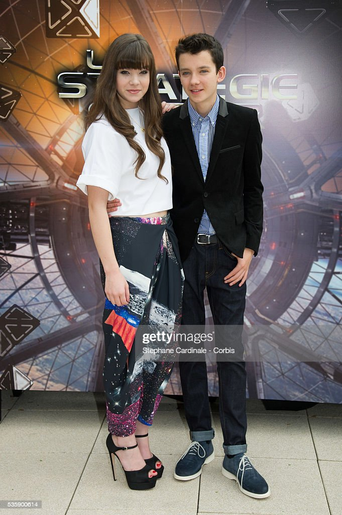 Hailee Steinfeld and Asa Butterfield attend the 'Ender's Game' Photocall, in Paris.