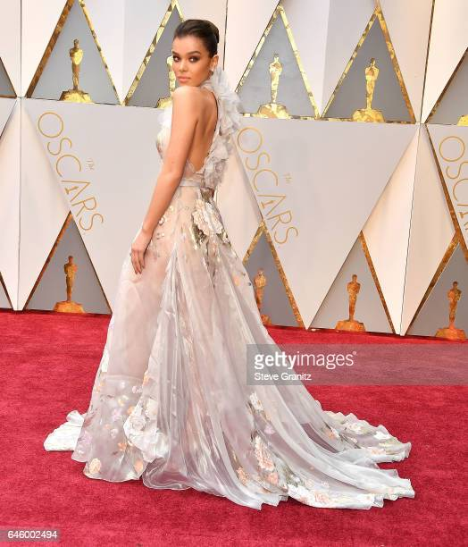 Hailee Steinfeld arrives at the 89th Annual Academy Awards at Hollywood Highland Center on February 26 2017 in Hollywood California