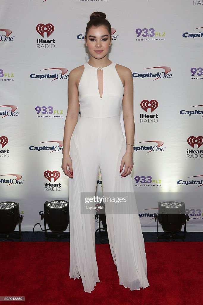 Hailee Steinfeld attends 93.3 FLZ's 2015 Jingle Ball at Amalie Arena on December 19, 2015 in Tampa, Florida.