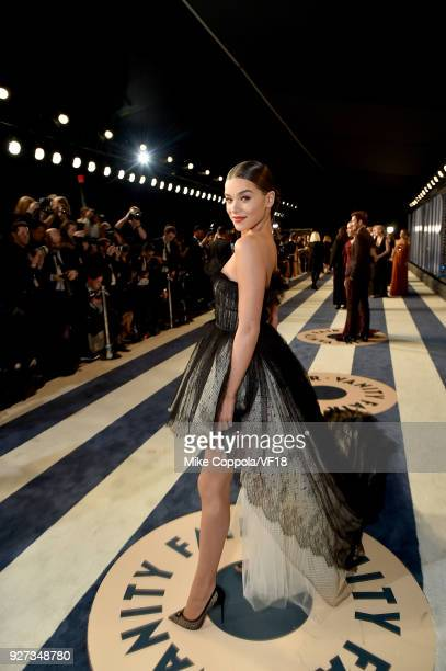 Hailee Steinfeld attends the 2018 Vanity Fair Oscar Party hosted by Radhika Jones at Wallis Annenberg Center for the Performing Arts on March 4 2018...