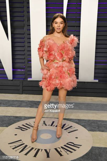 Hailee Steinfeld attends the 2019 Vanity Fair Oscar Party hosted by Radhika Jones at Wallis Annenberg Center for the Performing Arts on February 24...