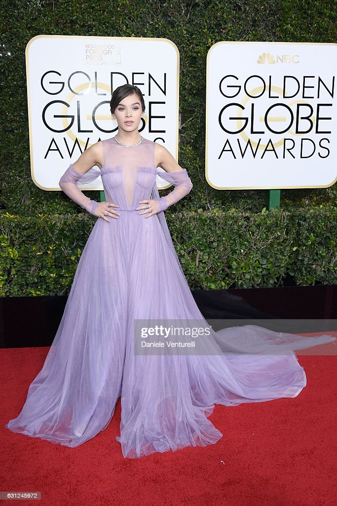 Hailee Steinfeld attends the 74th Annual Golden Globe Awards at The Beverly Hilton Hotel on January 8, 2017 in Beverly Hills, California.