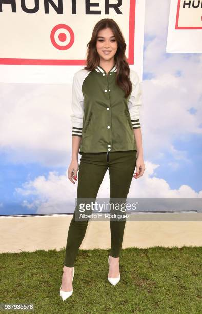 Hailee Steinfeld attends the Hunter For Target Ultimate Family Festival at Brookside Golf Club on March 25 2018 in Pasadena California