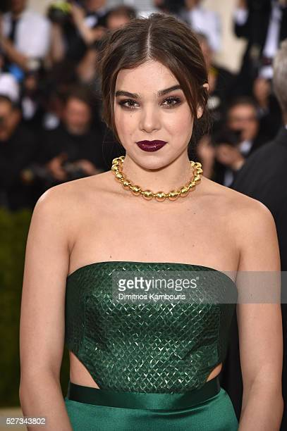 Hailee Steinfeld attends the 'Manus x Machina Fashion In An Age Of Technology' Costume Institute Gala at Metropolitan Museum of Art on May 2 2016 in...