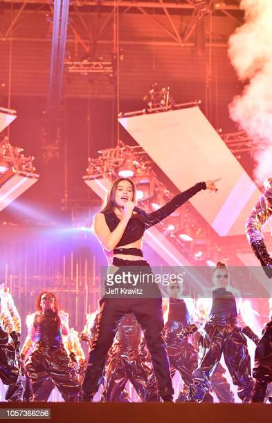 Hailee Steinfeld performs on stage at the MTV EMAs 2018 at Bilbao Exhibition Centre on November 4 2018 in Bilbao Spain
