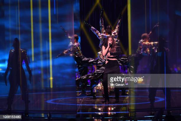 Hailee Steinfeld performs on stage during the MTV EMAs 2018 at Bilbao Exhibition Centre on November 4 2018 in Bilbao Spain