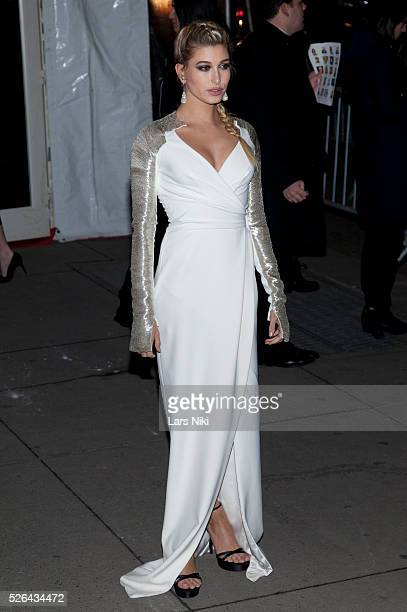Hailey Baldwin attends the '2016 amfAR' New York Gala outside arrivals at Cipriani Wall Street in New York City �� LAN