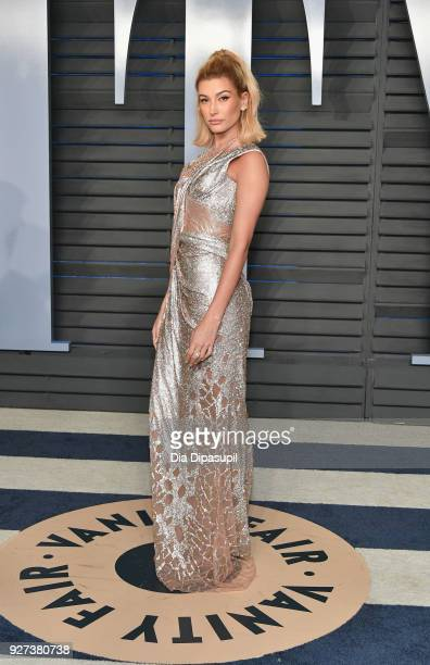 Hailey Baldwin attends the 2018 Vanity Fair Oscar Party hosted by Radhika Jones at Wallis Annenberg Center for the Performing Arts on March 4 2018 in...