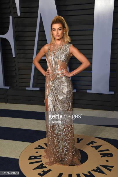 Hailey Baldwin attends the 2018 Vanity Fair Oscar Party hosted by Radhika Jones at the Wallis Annenberg Center for the Performing Arts on March 4...